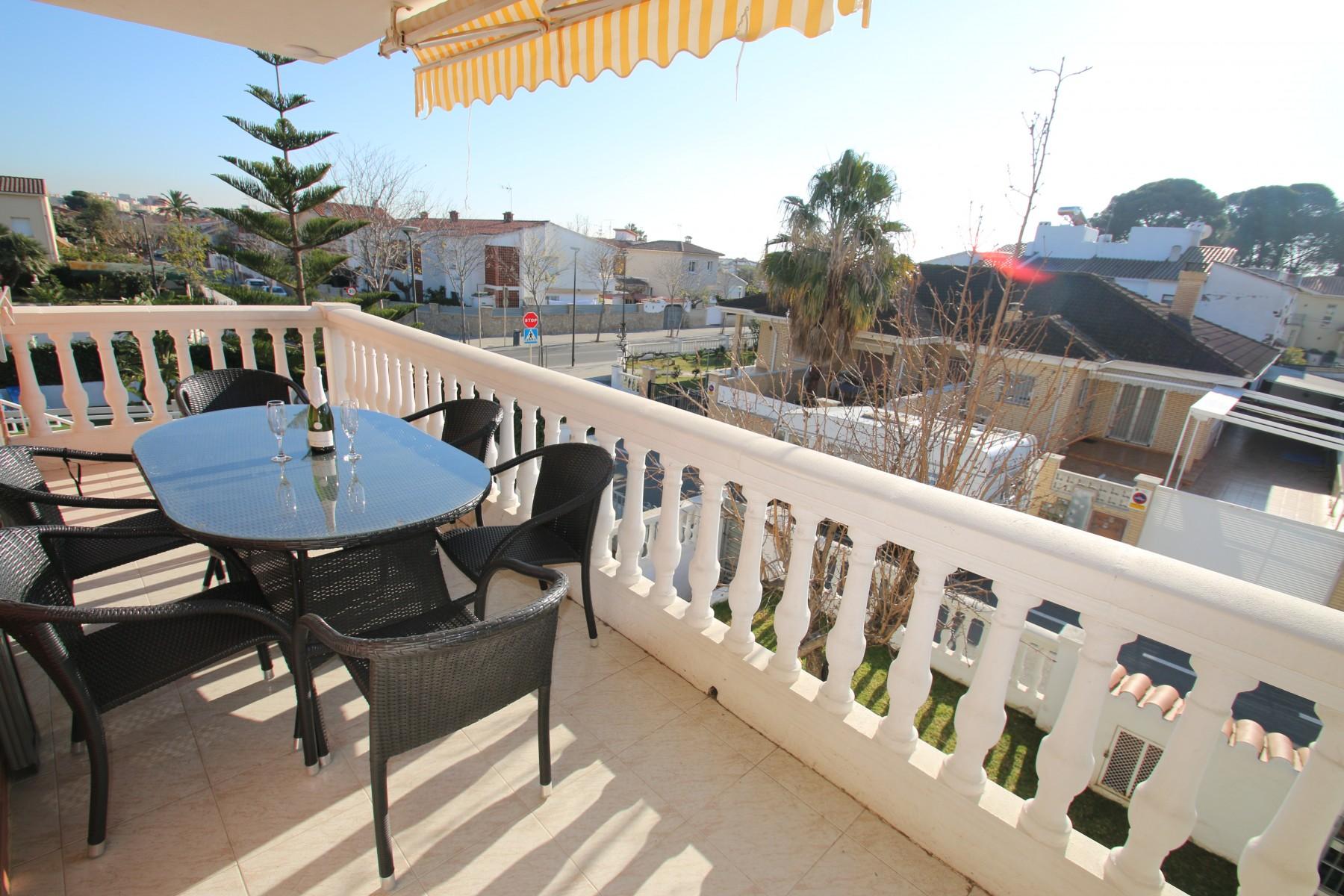 Apartamentos en cambrils casa rosales cra6 - Alquiler apartamento en cambrils ...
