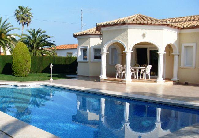 Villa en Denia - Villa de 3 dormitorios a2 kmde la playa