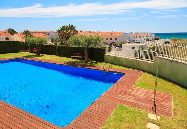 Apartamento en Hospitalet de L´Infant - Apartamento con piscina a125 mde la playa