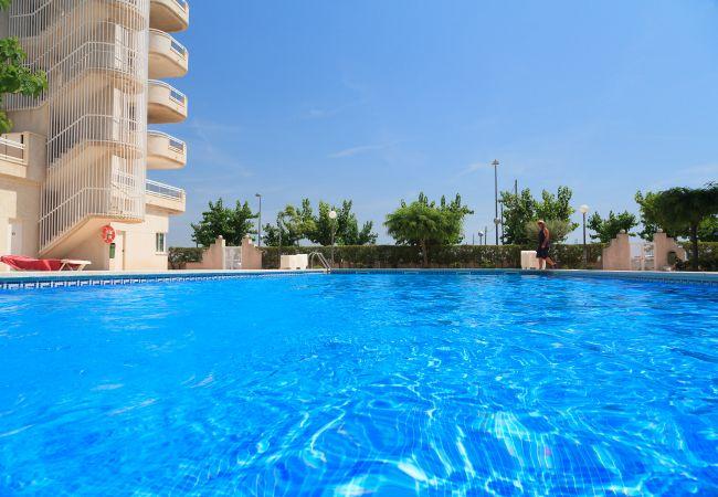 Apartamento en La Pineda - Apartamento para 6 personas a75 mde la playa