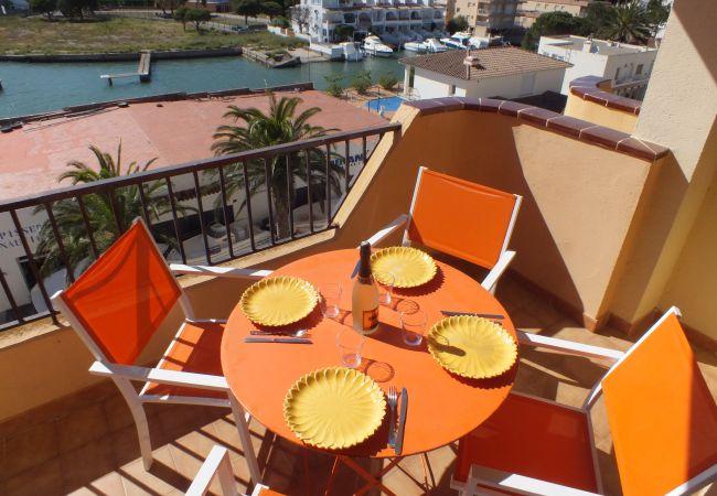 Apartamento en Rosas / Roses - Apartamento de 2 dormitorios a200 mde la playa