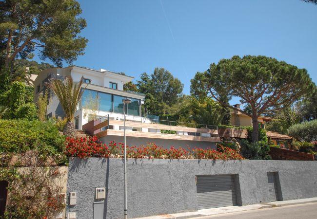 Villa en Blanes - Villa para 14 personas a150 mde la playa