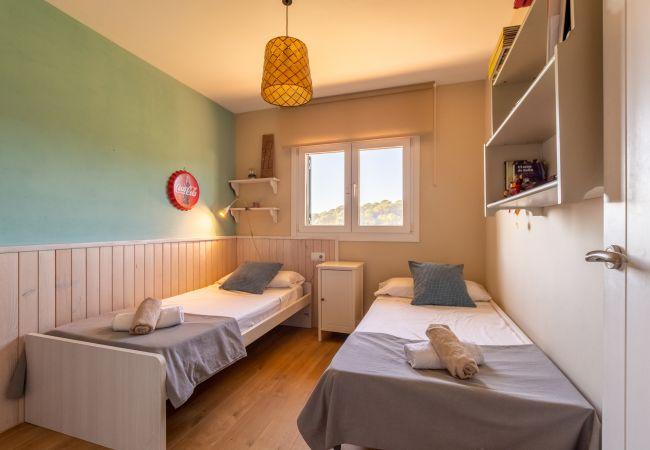 Villa en Calella - Villa de 5 dormitorios a1 kmde la playa