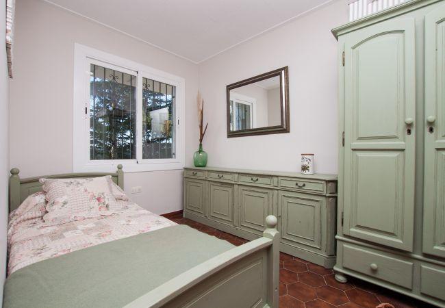 Villa en Calella - Villa de 7 dormitorios a1 kmde la playa