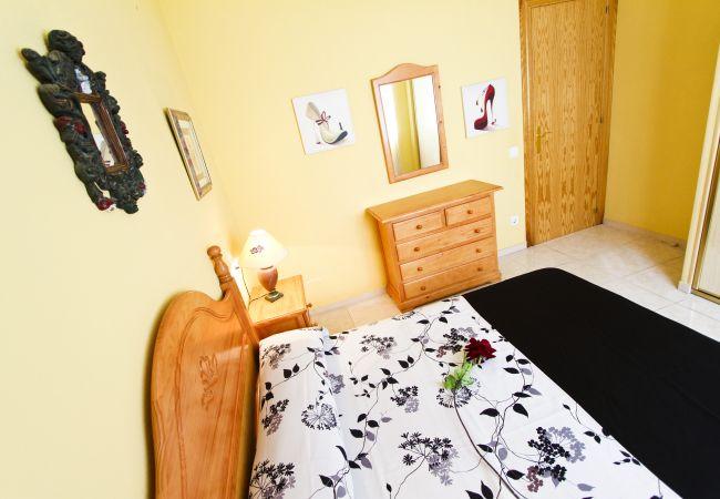 Alquiler piso para vacaciones en La Pineda. Dormitorio Doble MARPINEDA