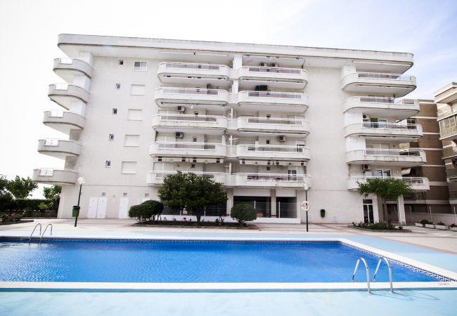 Alquiler piso para vacaciones en La Pineda. Exterior MARPINEDA