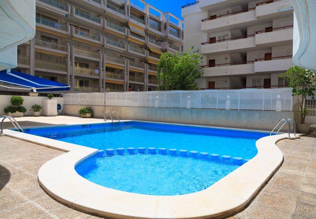 Apartamento en Salou - Apartamento con piscina a100 mde la playa