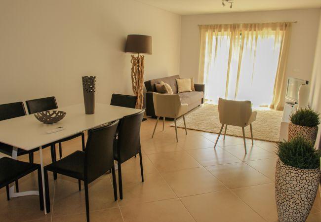 Apartamento en Quarteira - Apartamento de 2 dormitorios a900 mde la playa