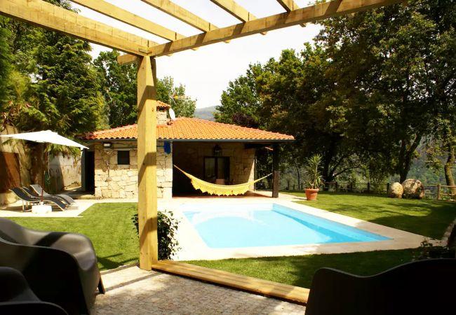 Casa rural en Gerês - Casa rural con piscina a2 kmde la playa