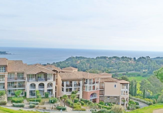 Apartamento en Agay - Apartamento con piscina a500 mde la playa