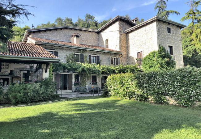Villa en Castelgomberto - Villa con piscina en Castelgomberto