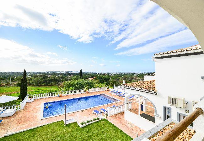 Villa en Estoi - Villa con piscina en Estoi
