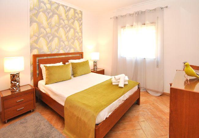 Apartamento en Olhos D´Água - Apartamento de 1 dormitorios a1 kmde la playa