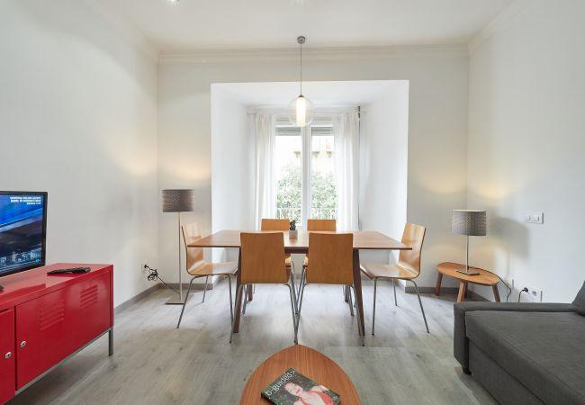 Apartamento en Barcelona - BCN Paseo San Juan amplio apartamento en zona residencial