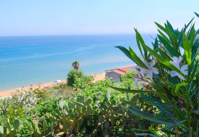 Chalet in Isola di Capo Rizzuto - HUUR VAKANTIEWONINGEN: VILLINO CORALLO 3 SLAAPKAMERS