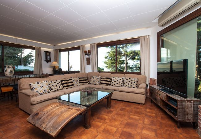 Villa in Calella - Villa of 7 bedrooms op1 kmvan het strand