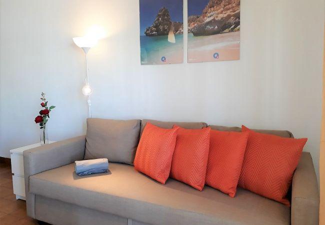 Appartement in Quarteira - T1 Torre 20 6G MÁGICO 80M PRAIA WI-FI 4 PESSOAS
