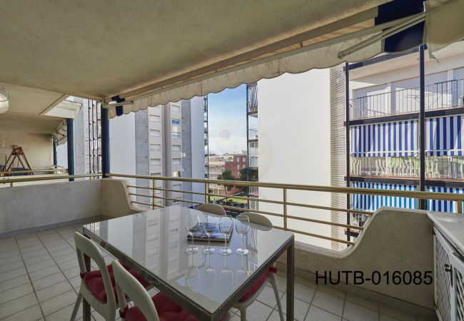 Appartement in Sitges - Appartement with airconditioning op400 mvan het strand