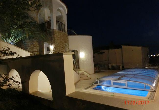 Villa in Rosas / Roses - Villa with swimming pool in Rosas / Roses