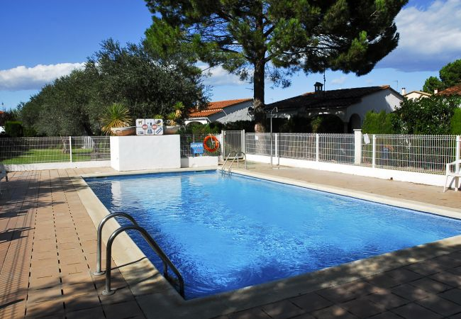 House in Escala - OLIVERES - 4 PAX