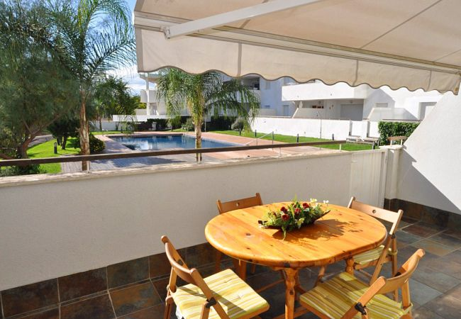 Apartment in Rosas / Roses - Apartment with swimming pool to 1 km beach