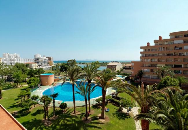 Studio in Rosas / Roses - Studio with swimming pool to 1 km beach