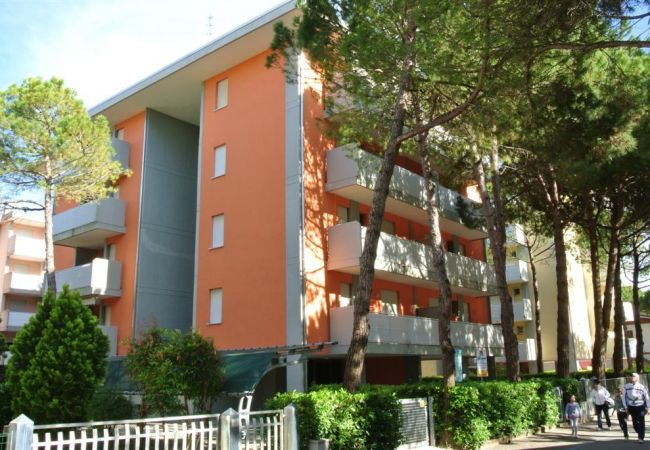 Apartment in Bibione - Apartment with air-conditioned to 80 m beach