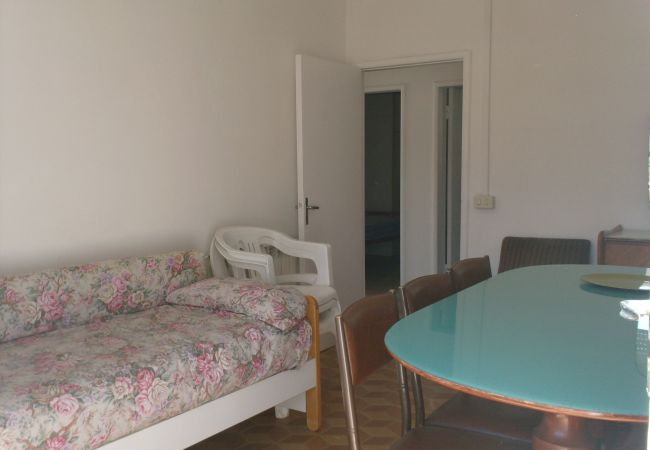 Apartment in Riccione - Apartment of 3 bedrooms to100 mbeach