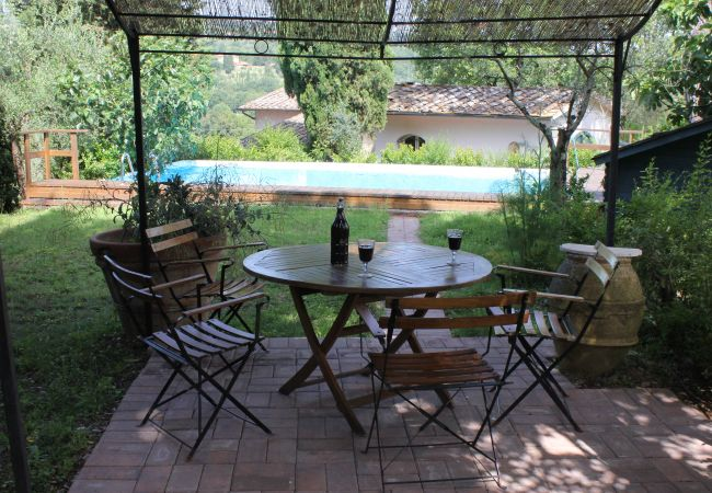 Apartment in Monte San Savino - Artist Vintage Home with Pool and WiFi