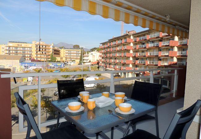 Ferienwohnung in Rosas / Roses - Ferienwohnung mit klimaanlage a400 mStrand