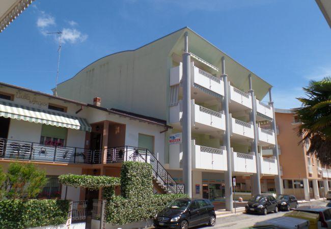 Ferienwohnung in Bibione - Ferienwohnung mit klimaanlage a350 mStrand