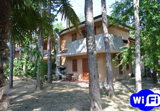 Ferienwohnung in Bibione - Ferienwohnung mit 2 Schlafzimmern a350 mStrand