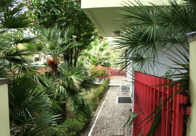 Ferienwohnung in Riccione - Ferienwohnung mit 2 Schlafzimmern a400 mStrand