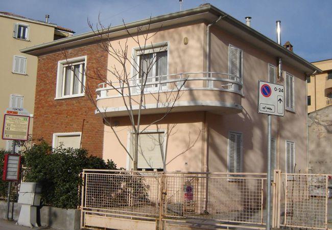 Ferienwohnung in Riccione - Ferienwohnung mit 3 Schlafzimmern a100 mStrand