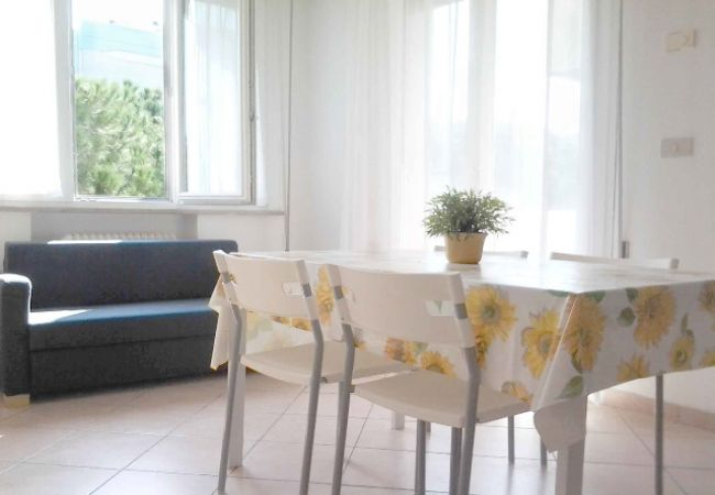 Ferienwohnung in Riccione - CECCARINI 2 WOHNUNGZIMMER