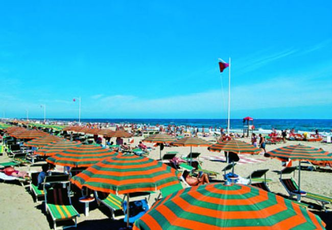 Ferienwohnung in Riccione - Ferienwohnung mit 2 Schlafzimmern a800 mStrand