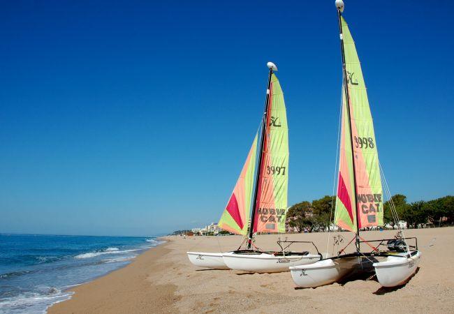 Ferienwohnung in Pineda de Mar - Ferienwohnung mit 2 Schlafzimmern a160 mStrand