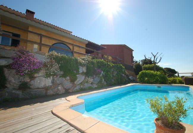 Villa in Calella - Villa mit 5 Schlafzimmern a1 kmStrand