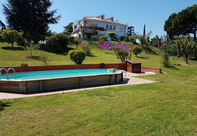 Villa in Calella - Villa mit 7 Schlafzimmern a1 kmStrand