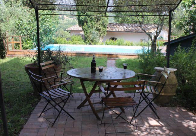 Ferienwohnung in Monte San Savino - Artist Vintage Home with Pool and WiFi