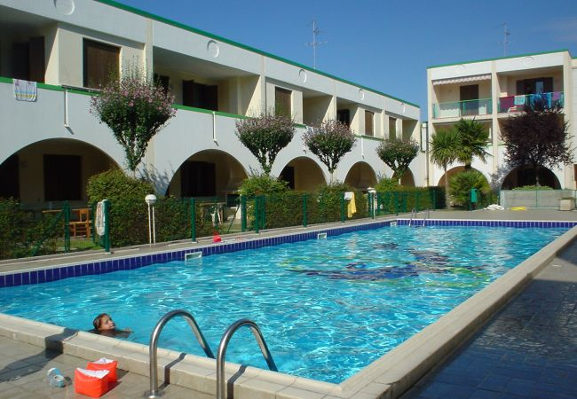 Ferienwohnung in Bibione - Ferienwohnung mit 1 Schlafzimmern a1 kmStrand